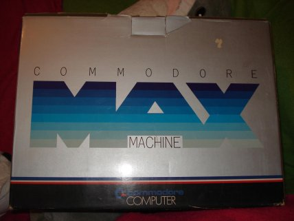 commodore max box